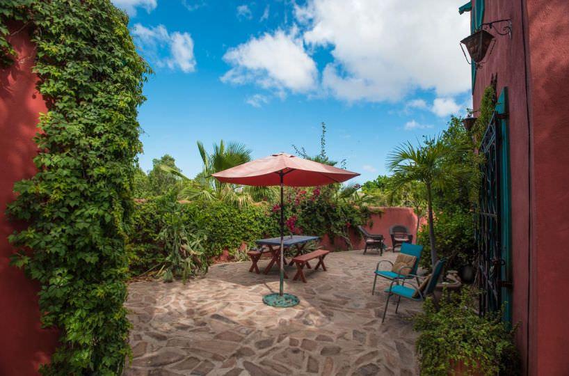 Casa Sueño de Colores garden