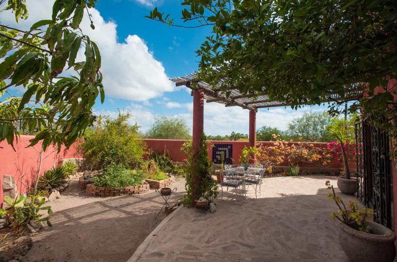 Casa Sueño de Colores garden off of kitchen and dining room