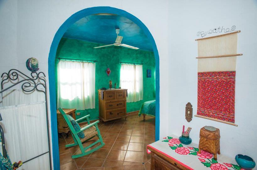 Casa Sueño de Colores upstairs full bath
