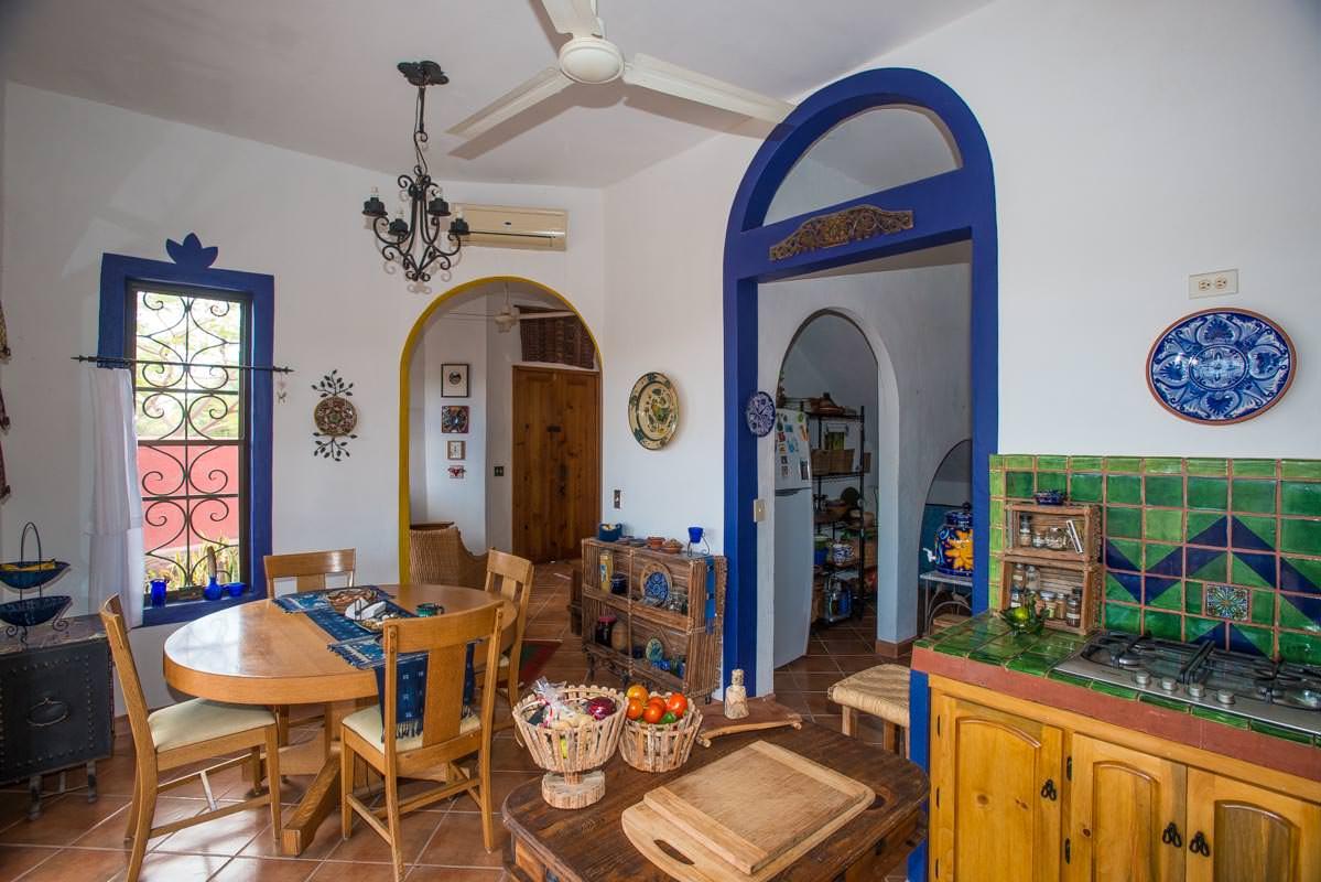 Casa Sueno de Colores dining area
