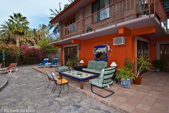 Hacienda Style Mexican Home in Loreto yardview