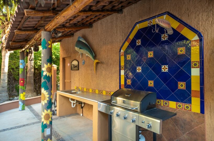 288 Davis St Loreto, Baja California Sur Mexico Gas grill and fish cleaning station