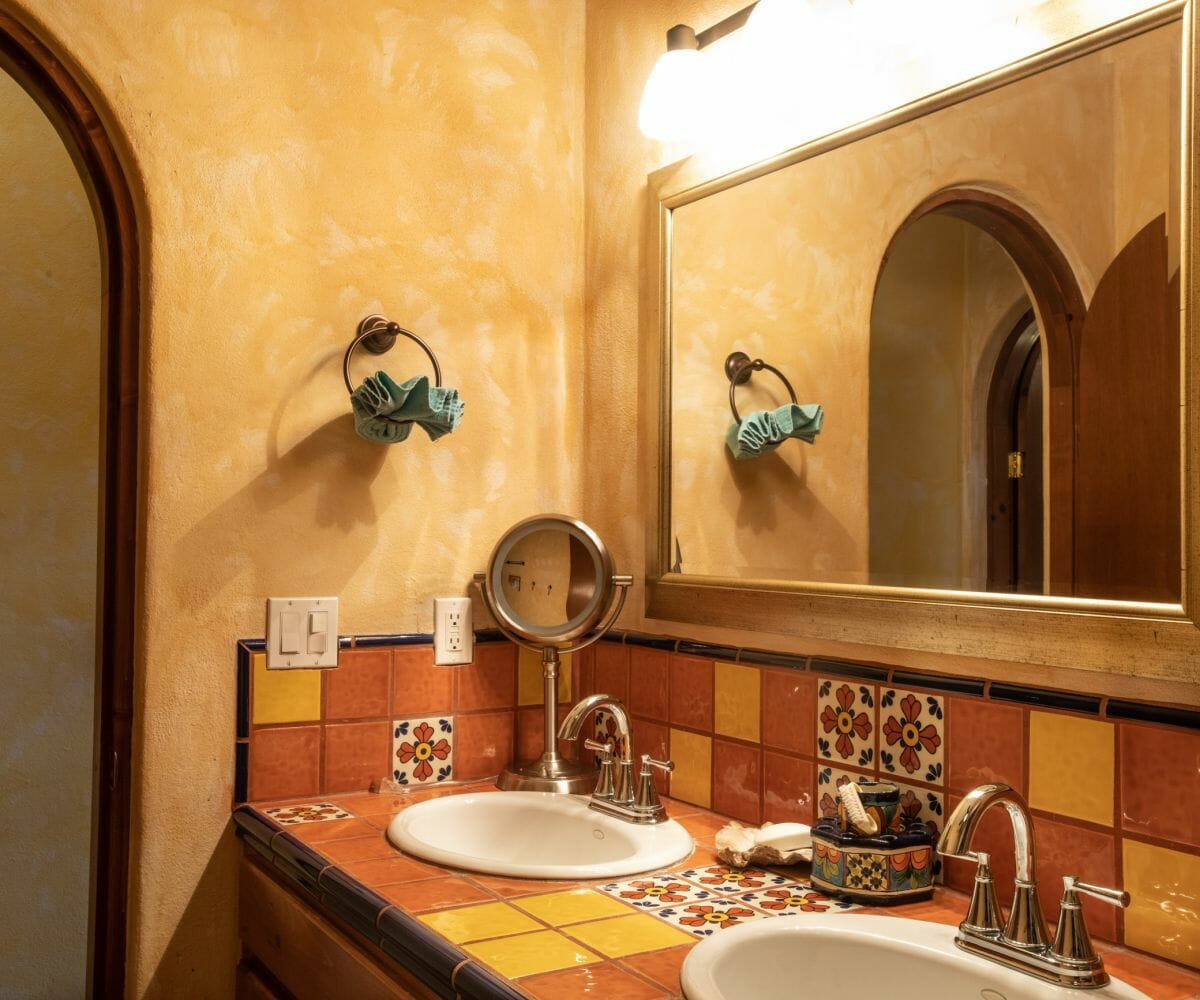 288 Davis St Loreto, Baja California Sur Mexico: Guest bath with talavera tile