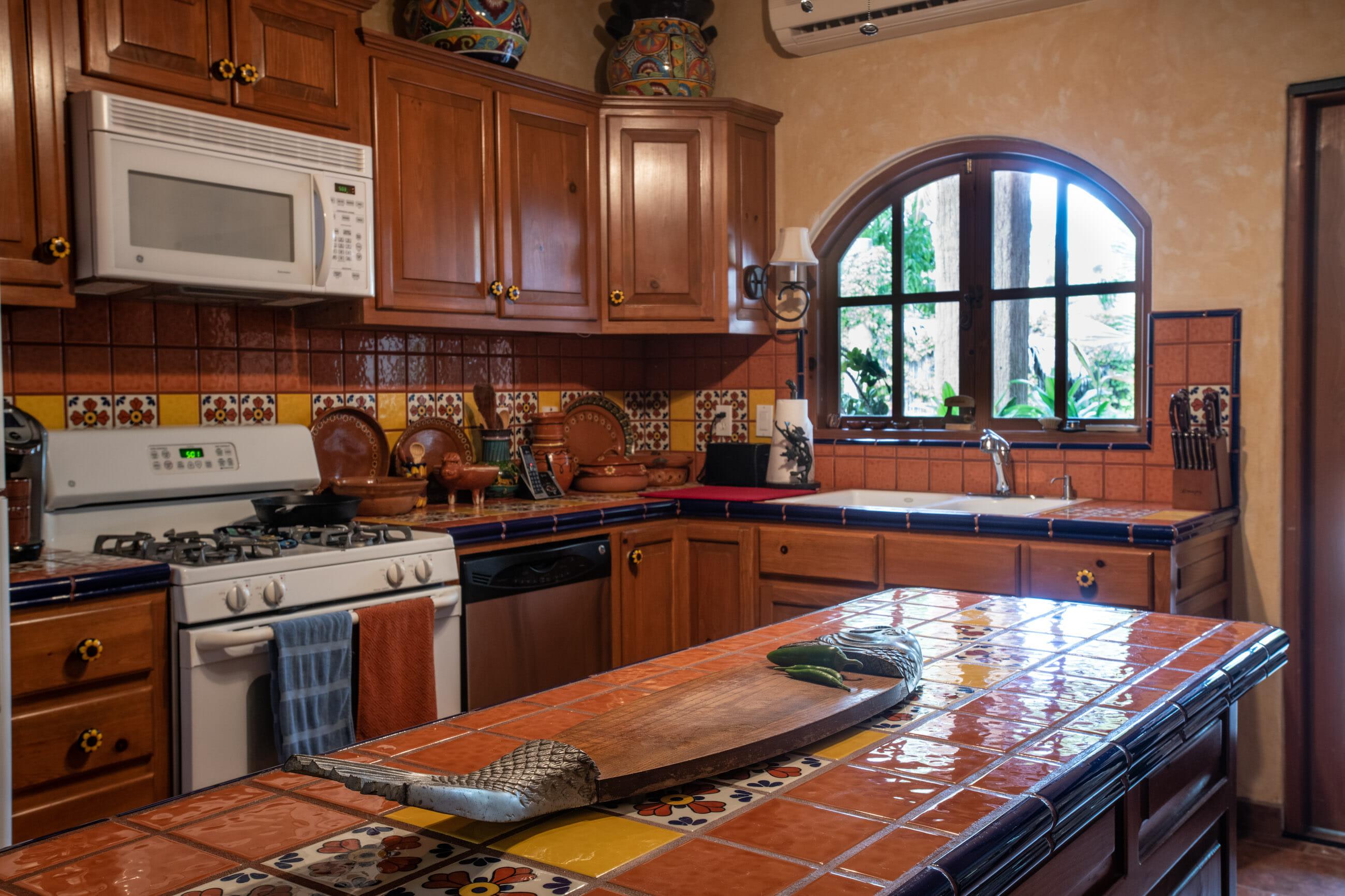 288 Davis St Loreto, Baja California Sur Mexico Kitchen island