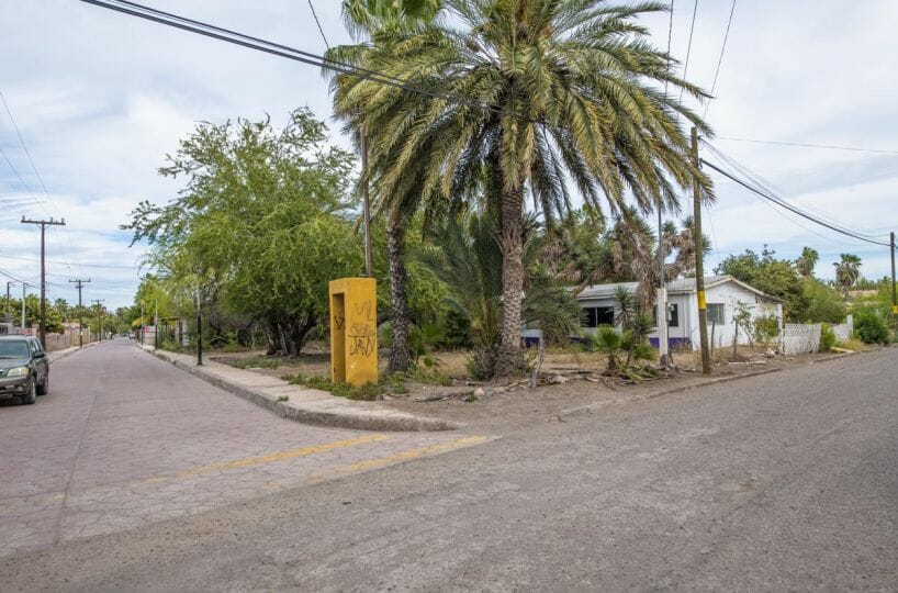 Large Lot in good location ready to build or subdivide in Loreto: Corner of Misioneros y Atanasio Carrillo. View 1.