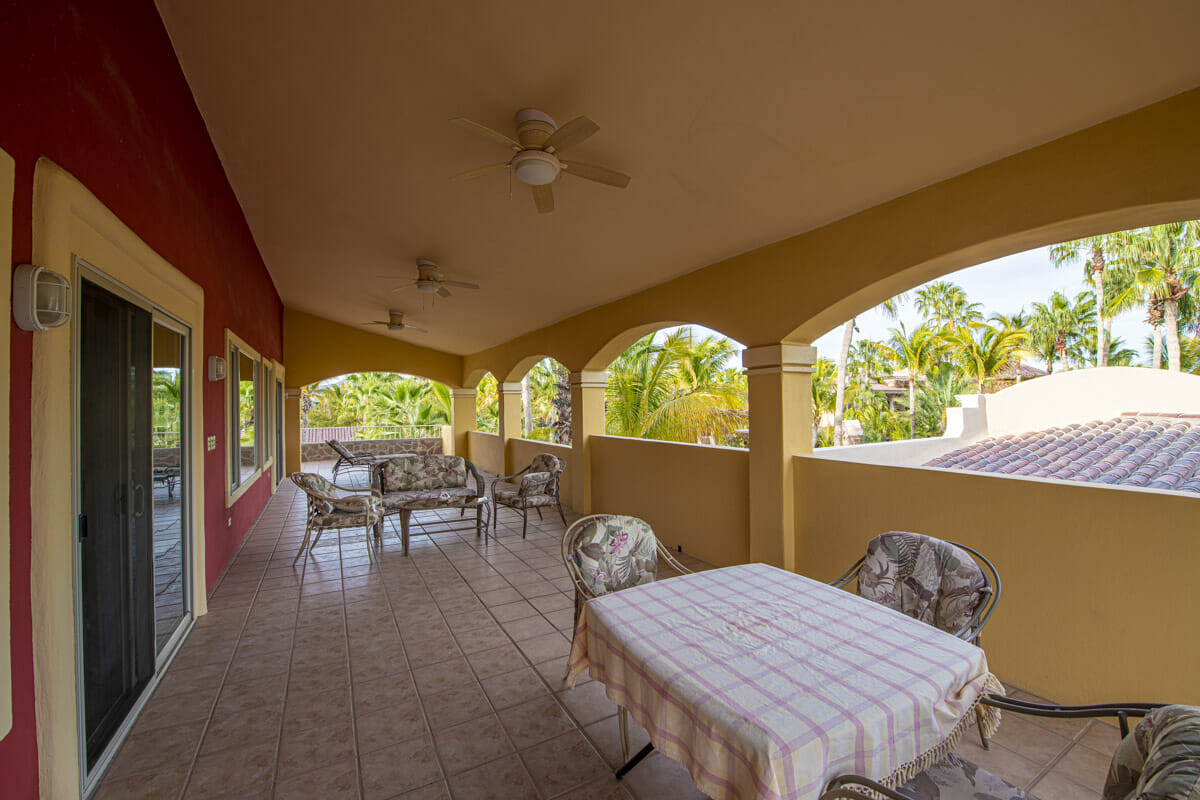 Four bedroom home in Loreto on large lot with sea and mountain views!: Deep terrace on East side