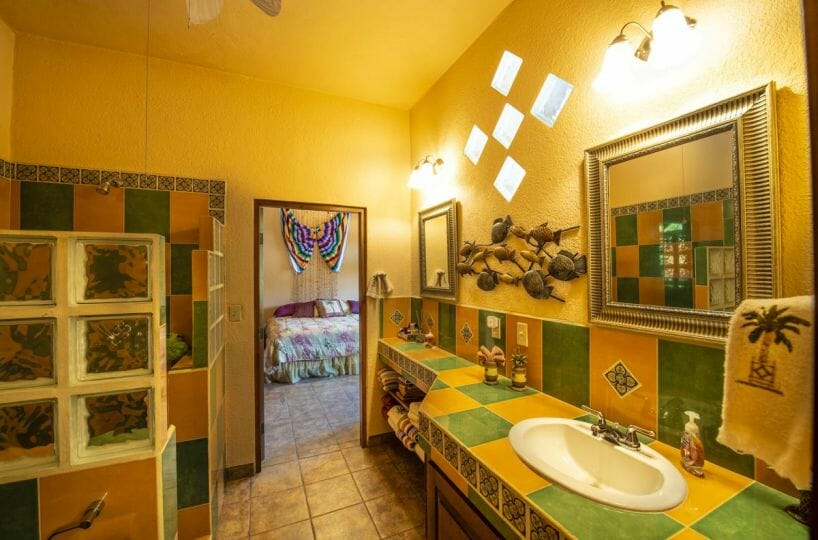 Four bedroom home in Loreto on large lot with sea and mountain views: Guest bath.