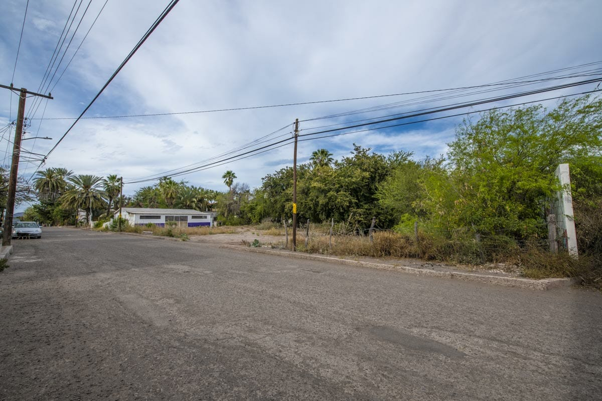 Large Lot in good location ready to build or subdivide in Loreto: Corner of Misioneros y Atanasio Carrillo. Looking North towards the lot.