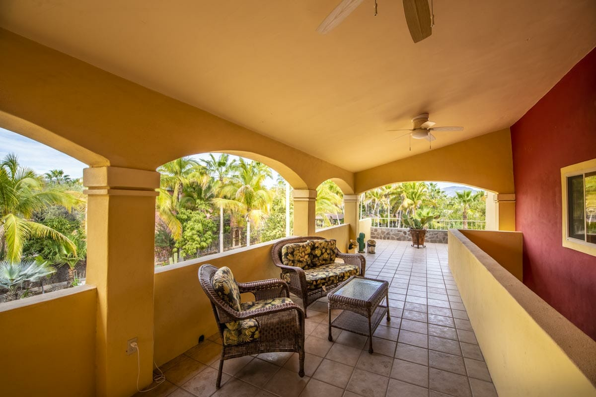 Four bedroom home in Loreto on large lot with sea and mountain views!: Westside terrace