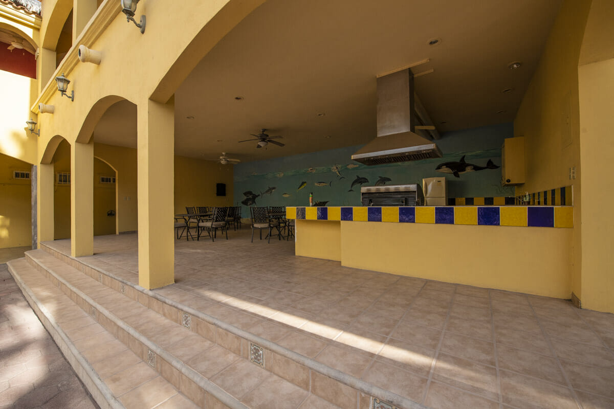Four bedroom home in Loreto on large lot with sea and mountain views: Spacious outdoor kitchen.