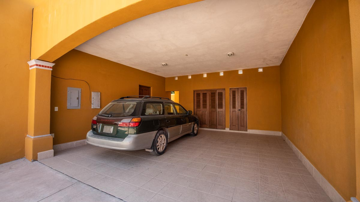 Casa Uno carport. 2 Bd 2 Bth Hm in private neighborhood, Loreto.