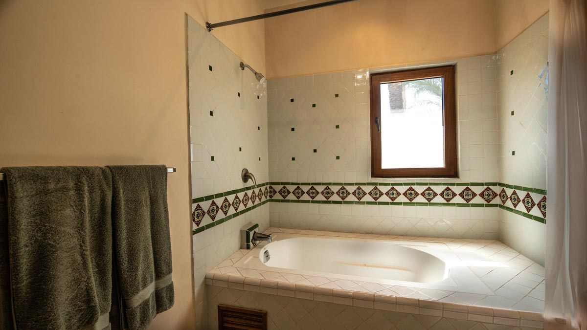 Dos bedroom downstairs. 2 Bd 2 Bth Hm in private neighborhood, Casa Uno upstairs guest bath.