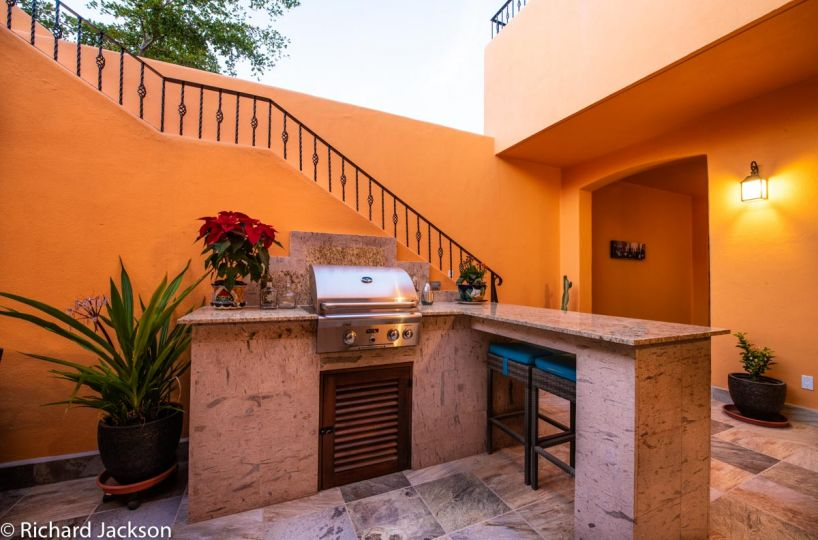 Loreto Bay Home with views and private pool:BBQ in courtyard