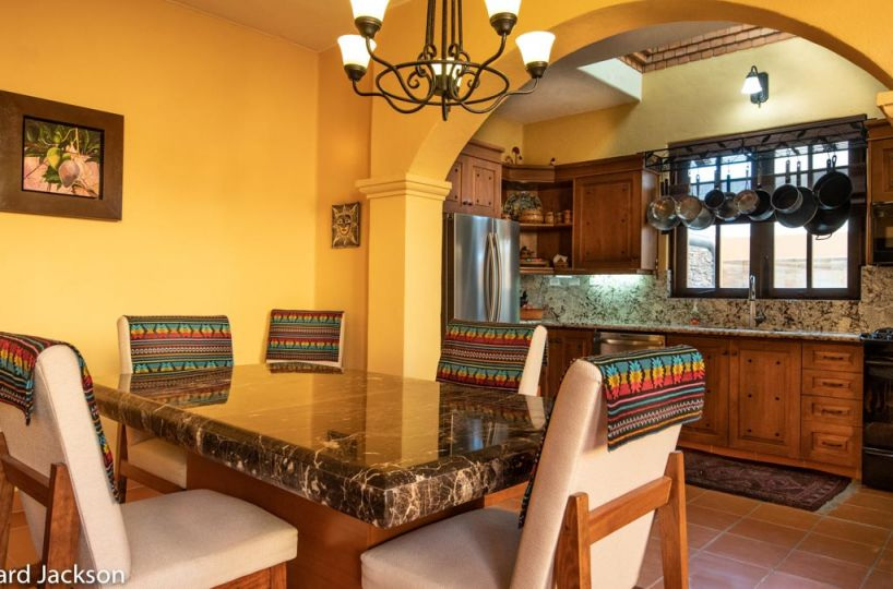 Loreto Bay Home with views and private pool: Dining room