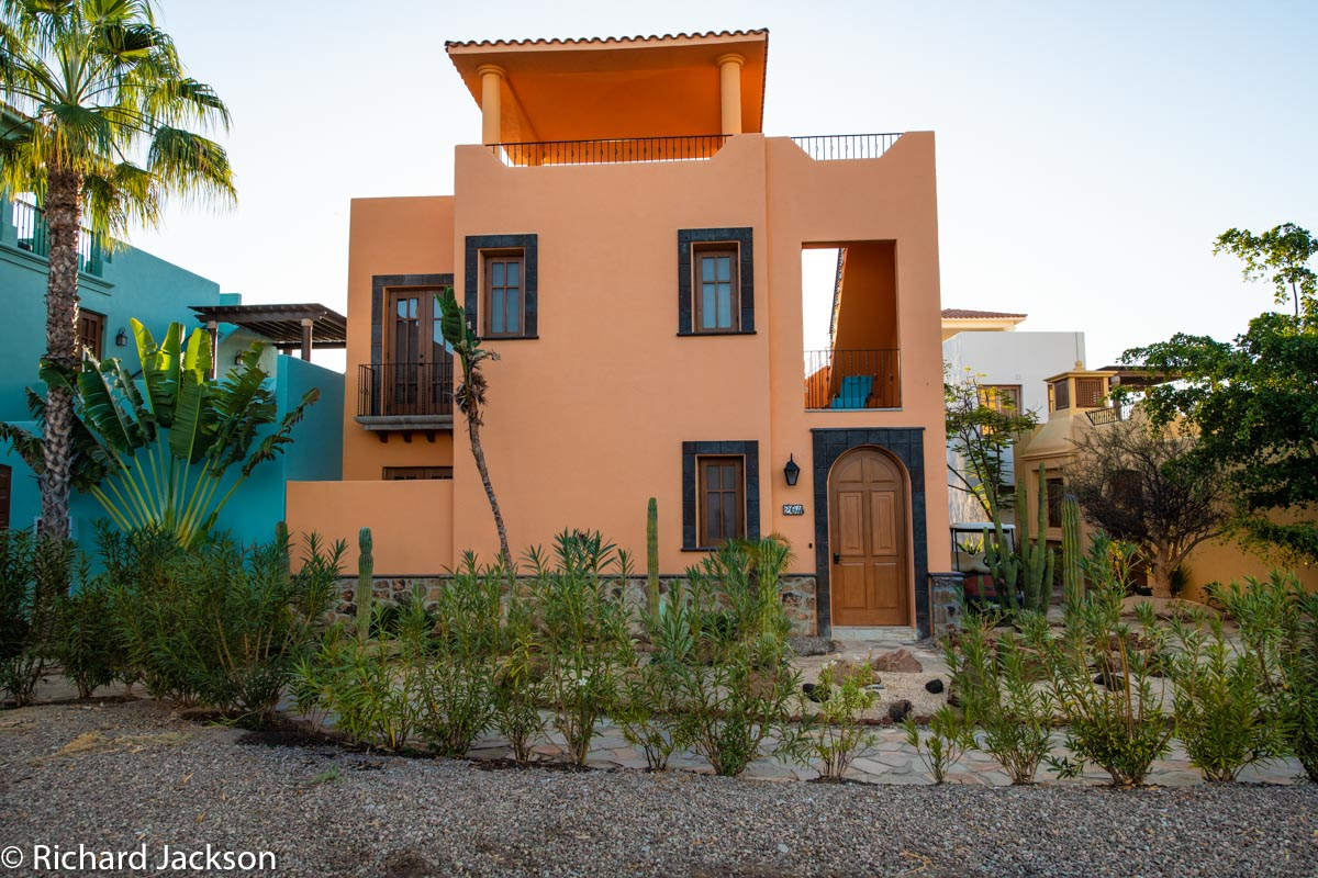 Loreto Bay Home with views and private pool: Mision loreto Properties. Real Estate in Loreto, BCS. Call Today! Mex Cell 613 118 2207 ~ USA cell 530-786-4395