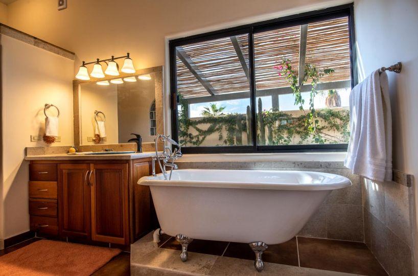 New Beachfront Home in Mil Palmas, Loreto Baja Sur: downstairs bathtub