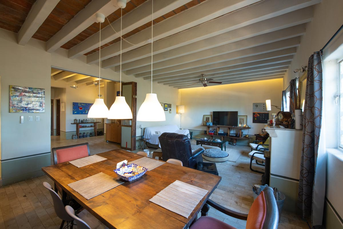 Peaceful Artist Retreat near the sea in Loreto, Baja Sur: dinning room