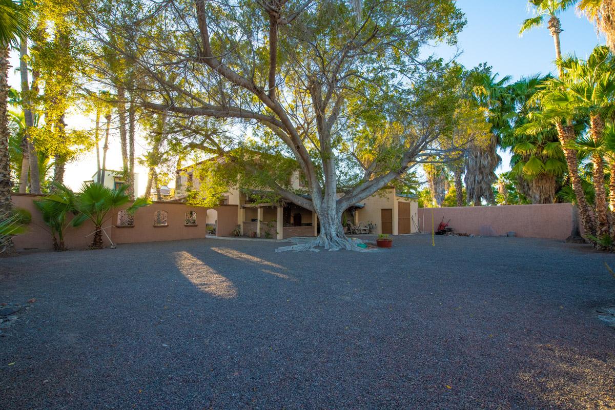 Beautifully restored four bedroom adobe home Backyard Adobe Casa