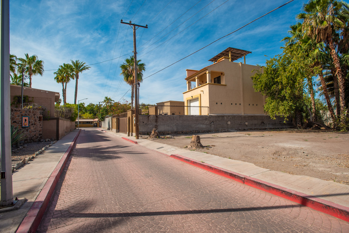 2 Bed 2 Bath 2 Blocks Away from the Beach in Loreto: Pipila St looking South