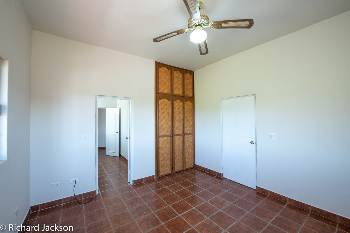2 Bed 2 Bath 2 Blocks Away from the Beach in Loreto: Upstairs bed