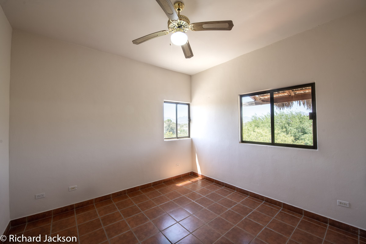 2 Bed 2 Bath 2 Blocks Away from the Beach in Loreto: Upstairs bedroom