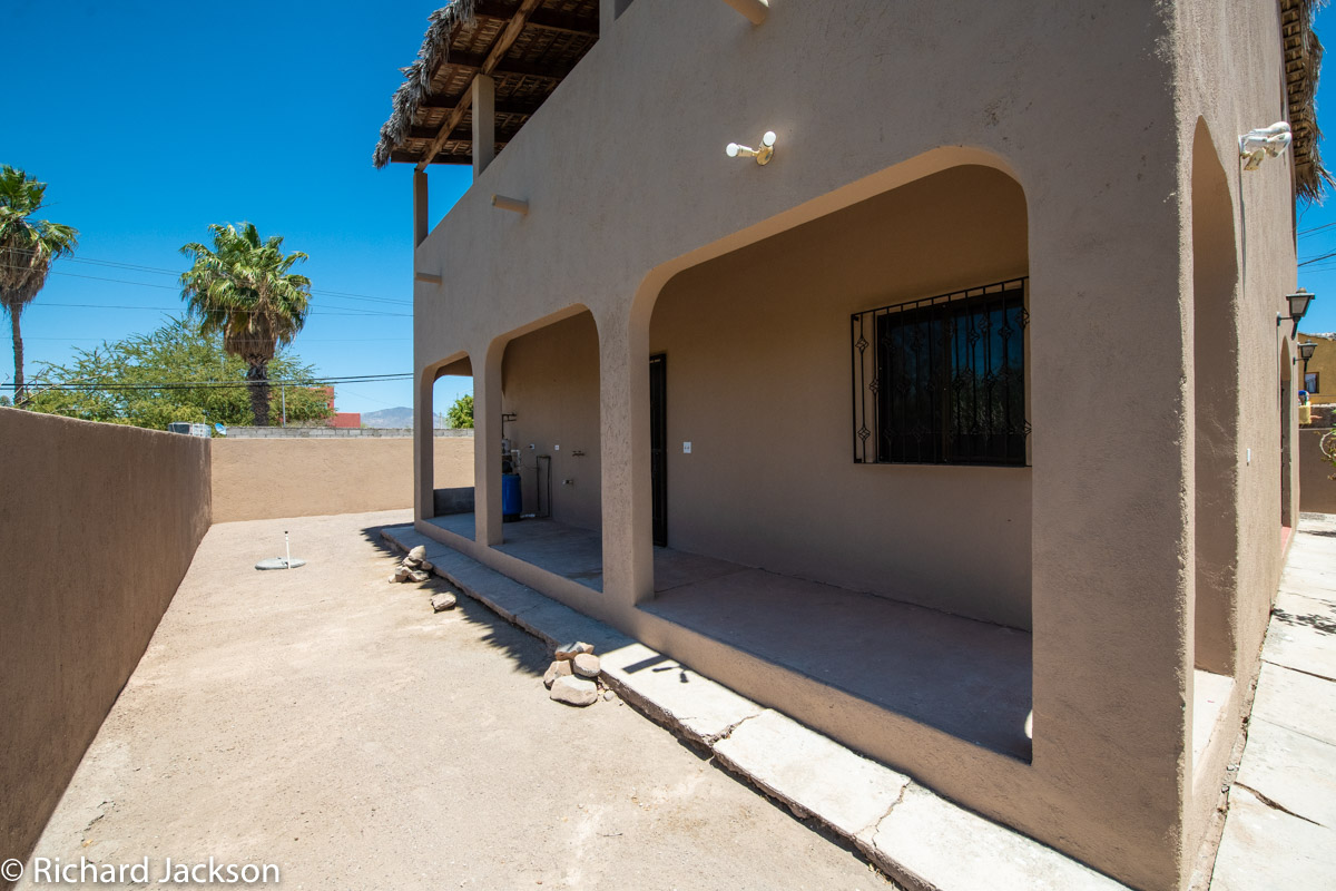 2 Bed 2 Bath 2 Blocks Away from the Beach in Loreto: back of house