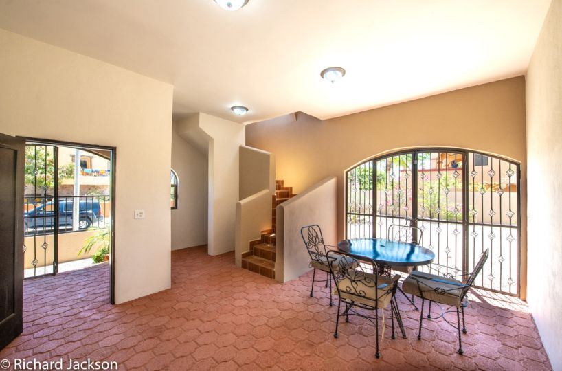 2 Bed 2 Bath 2 Blocks Away from the Beach in Loreto: downstairs living