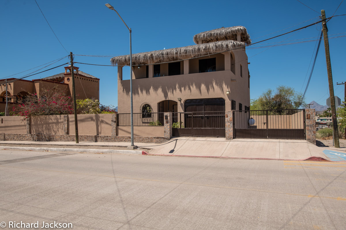 2 Bed 2 Bath 2 Blocks Away from the Beach in Loreto: front of casa A