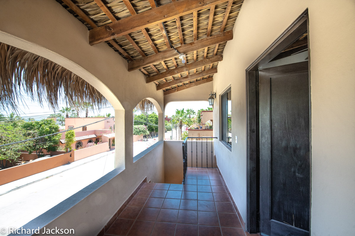 2 Bed 2 Bath 2 Blocks Away from the Beach in Loreto: front porch