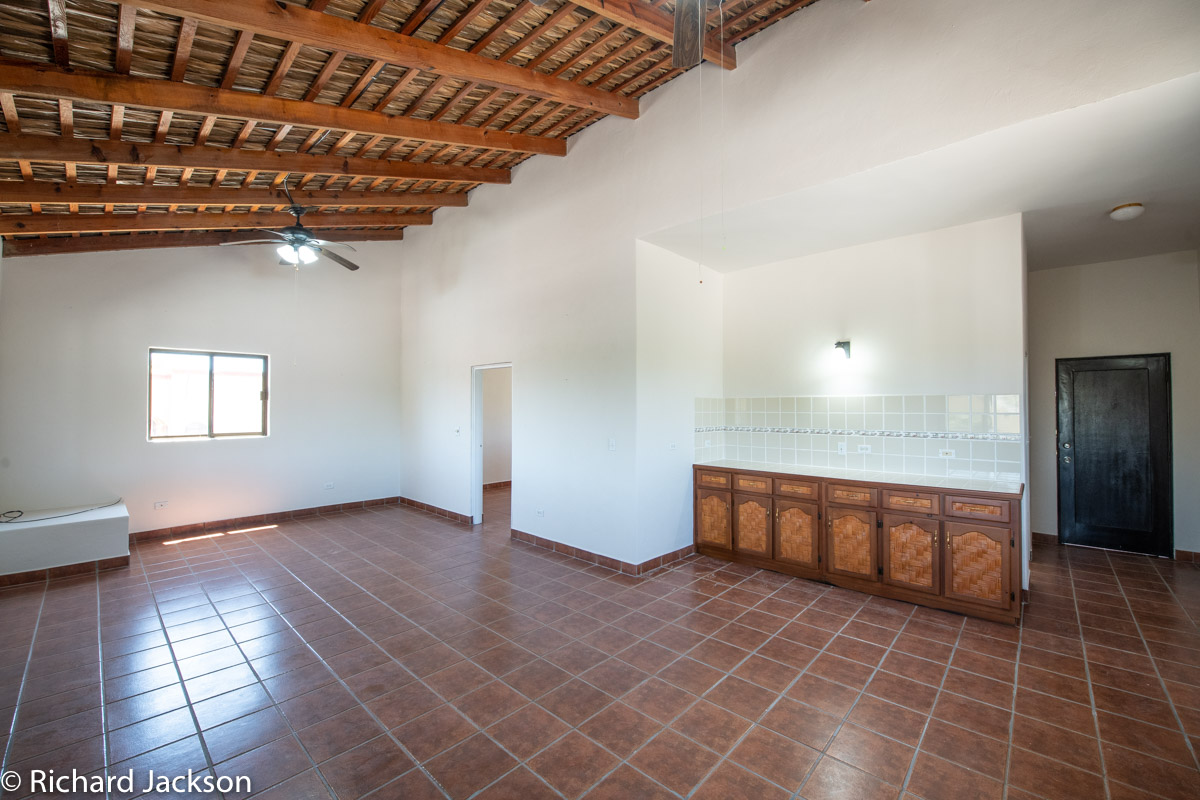2 Bed 2 Bath 2 Blocks Away from the Beach in Loreto: living room