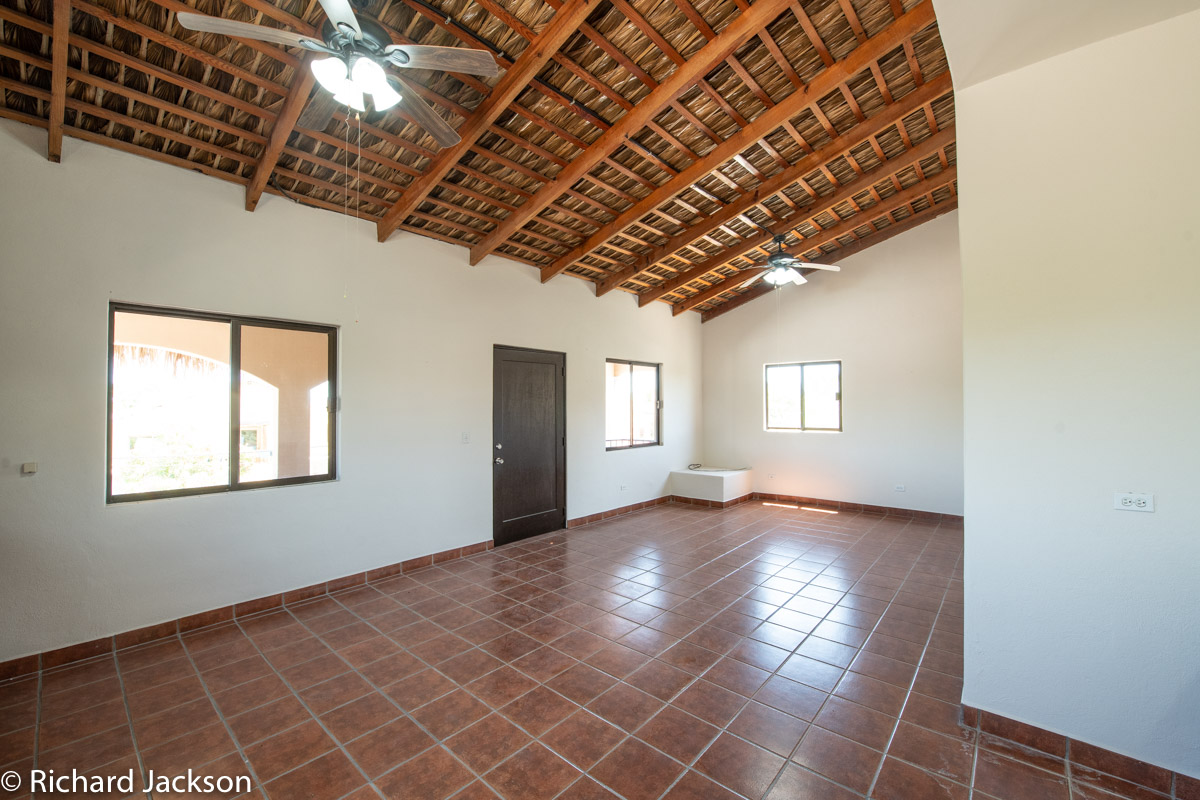 2 Bed 2 Bath 2 Blocks Away from the Beach in Loreto: living