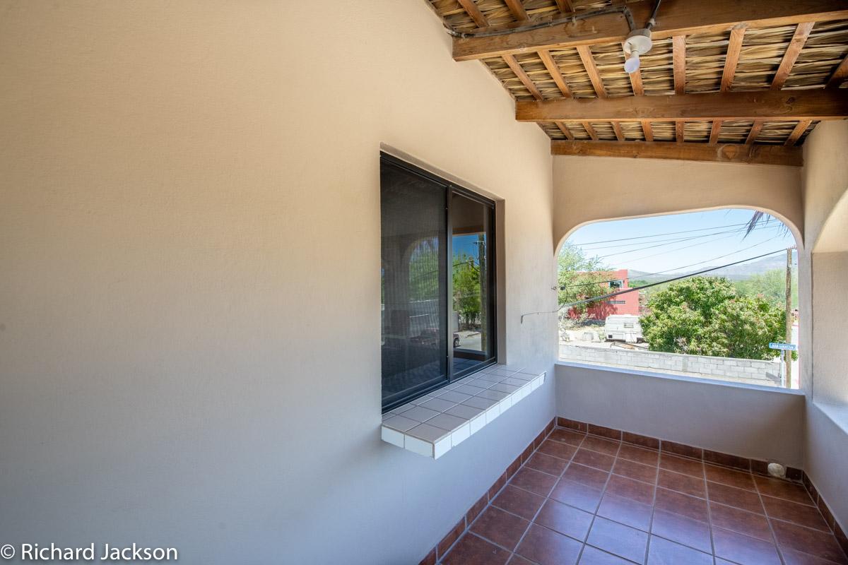 2 Bed 2 Bath 2 Blocks Away from the Beach in Loreto: pass through window