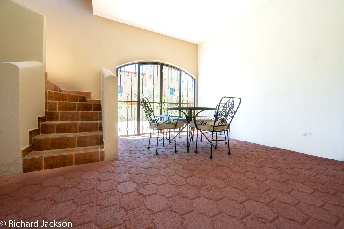2 Bed 2 Bath 2 Blocks Away from the Beach in Loreto: patio downstairs