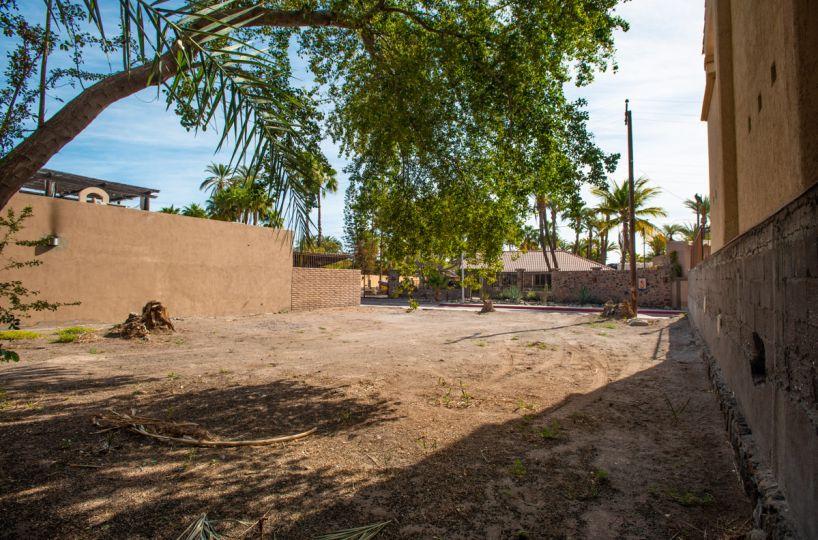 2 Bed 2 Bath 2 Blocks Away from the Beach in Loreto: residential lot in Loreto
