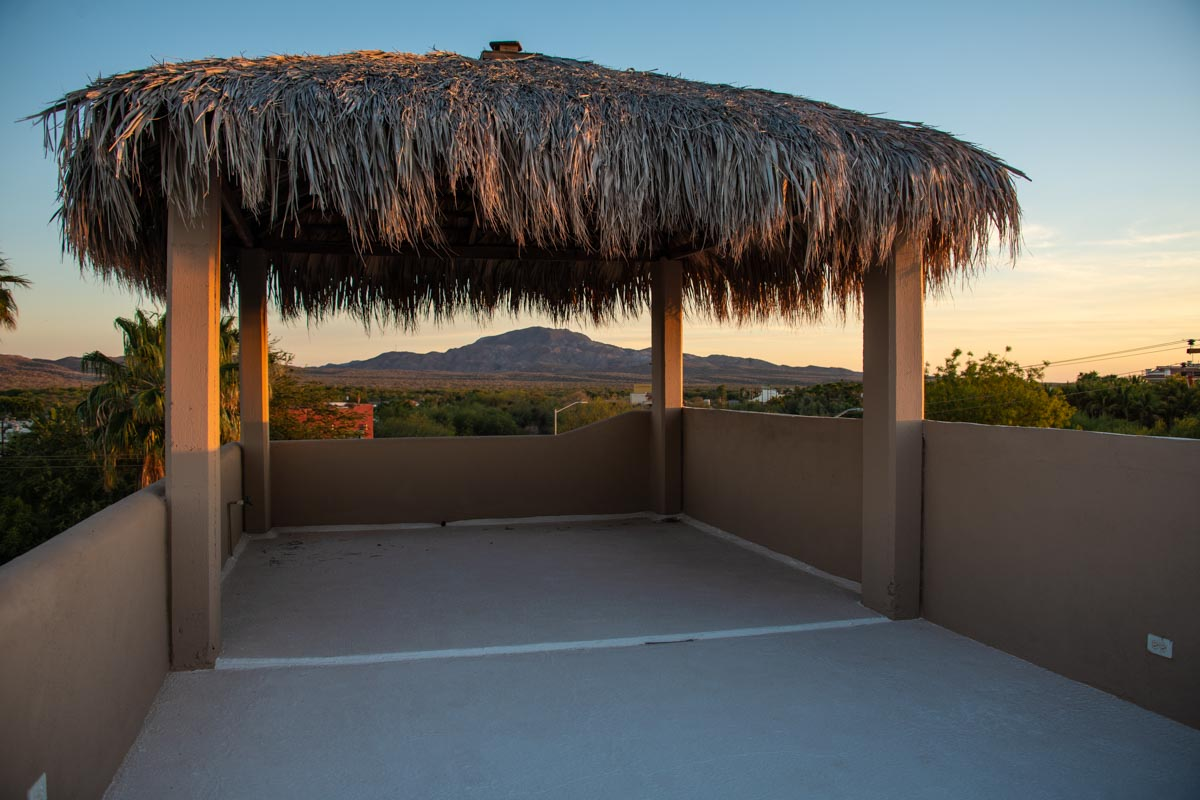 2 Bed 2 Bath 2 Blocks Away from the Beach in Loreto: Sunrise from roof terrace.