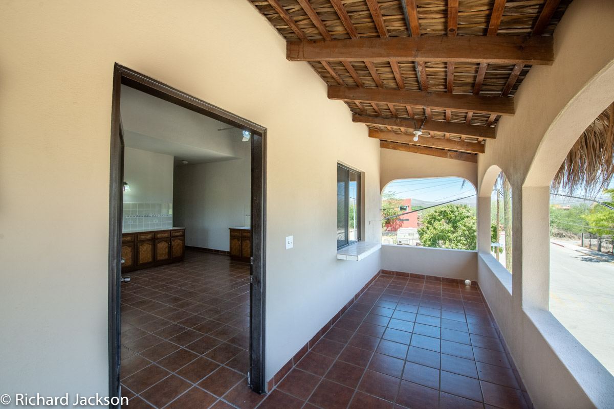 2 Bed 2 Bath 2 Blocks Away from the Beach in Loreto: upstairs covered porch
