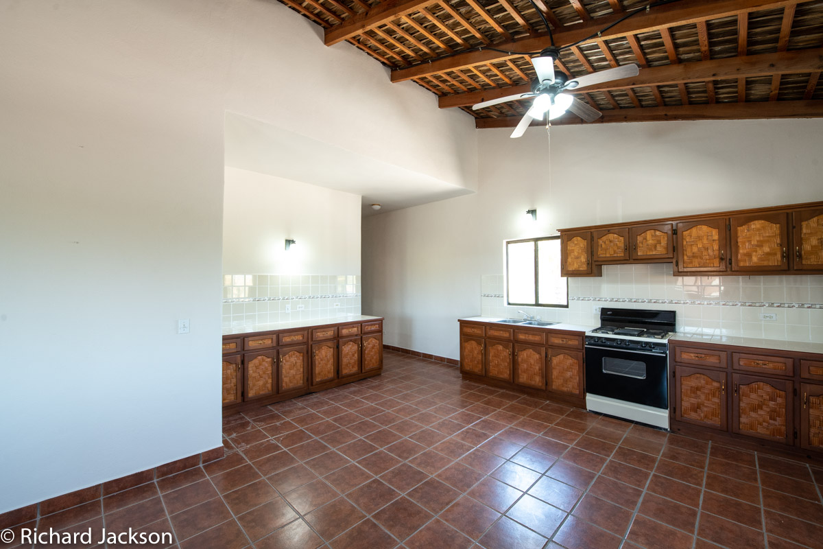 2 Bed 2 Bath 2 Blocks Away from the Beach in Loreto: upstairs kitchen