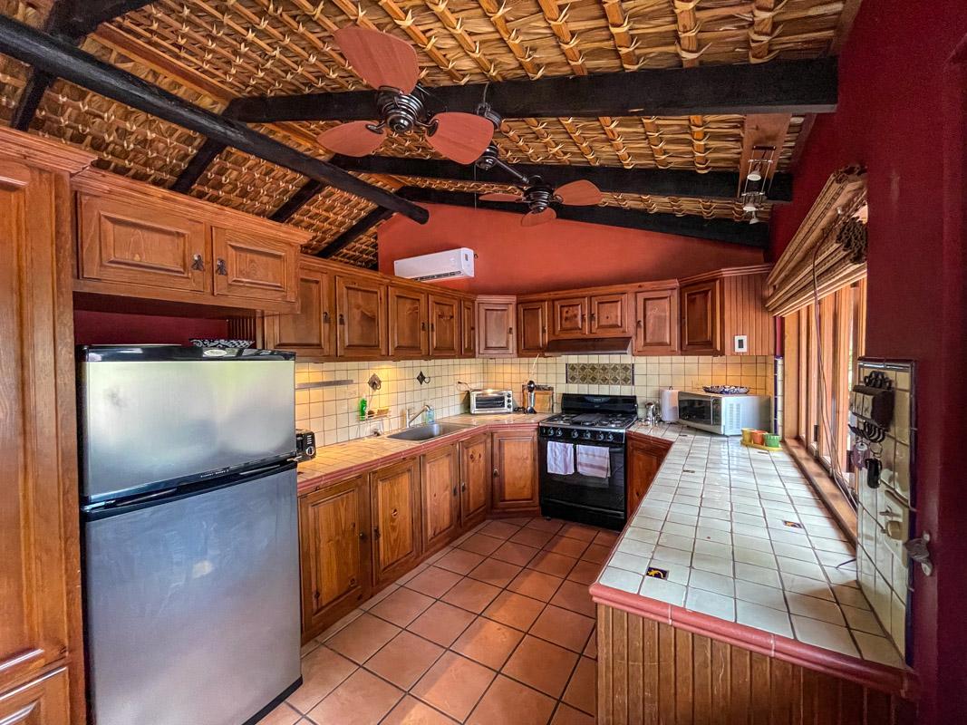 2 bed/2bath casa in private community: kitchen.