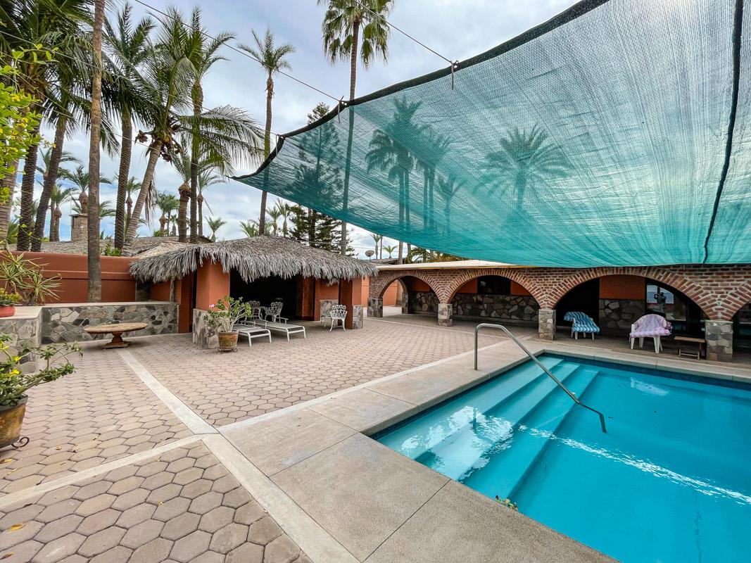 2 bed/2bath casa in private community: common pool area.