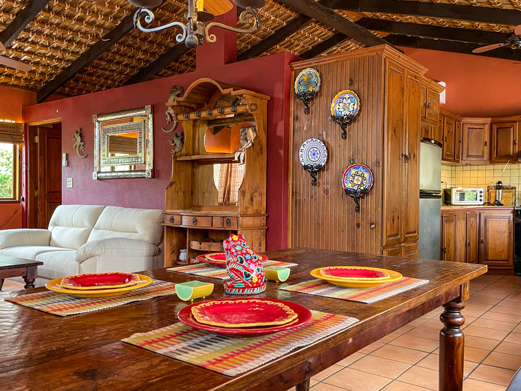 2 bed/2bath casa in private community: dinning room.