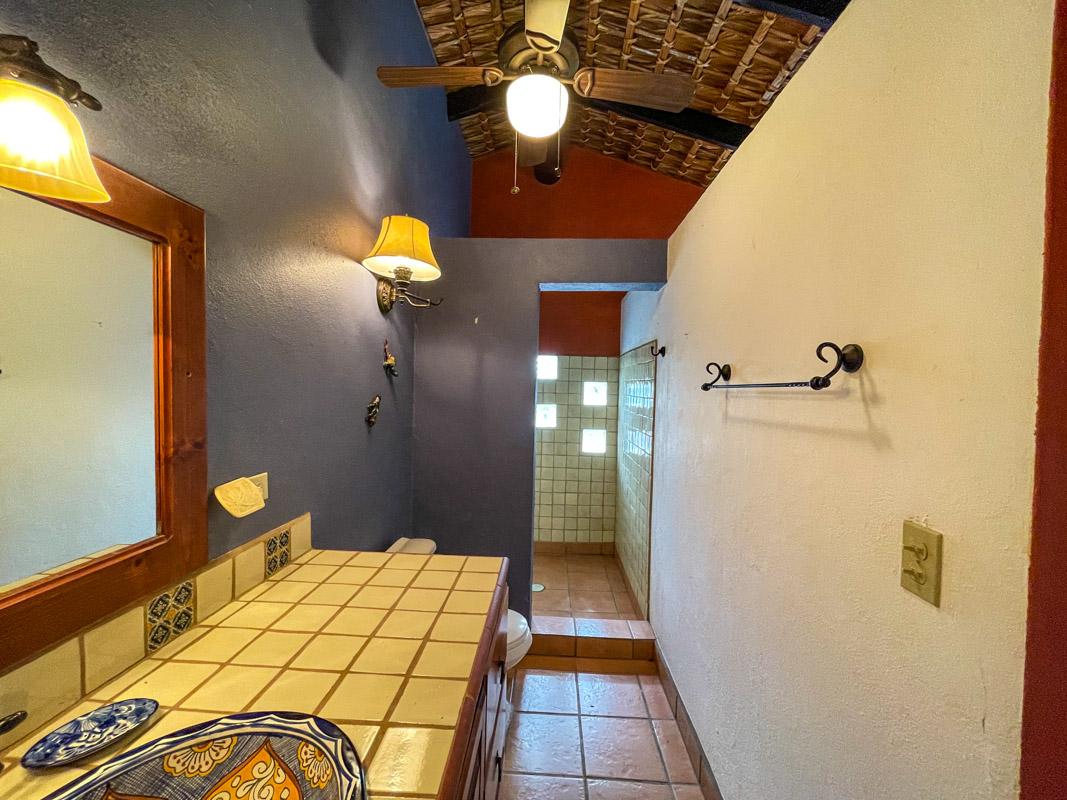 2 bed/2bath casa in private community: guest bath.